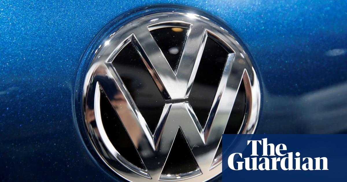 Volkswagen and Seat accused of selling cars with rear seatbelt fault