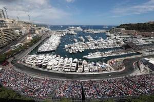 Can Hamilton keep his lead over Ricciardo?