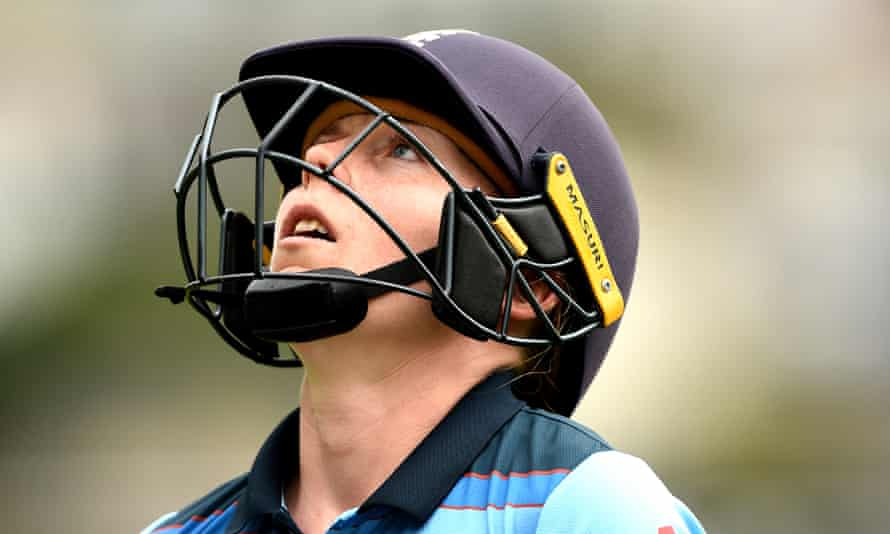 Heather Knight shows her frustration after being dismissed for 60 in the third ODI.