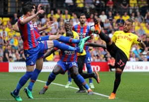 Roberto Pereyra of Watford controls the ball under pressures during the goalless draw against Crystal Palace at Vicarage Road.