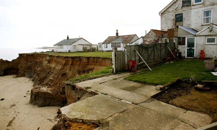 Climate crisis: flooding threat 'may force UK towns to be abandoned