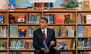 Barack Obama reads to schoolchildren