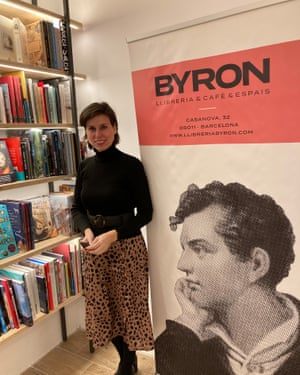Mariana Sarrias, Byron Bookstore