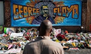 A memorial honors George Floyd in Minneapolis, Minnesota, on 1 June.
