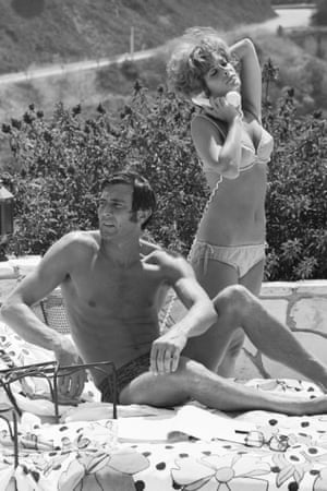 Australian actor George Lazenby and British actress Jill St John on the James Bond set 'On Her Majesty's Secret Service', 1969.