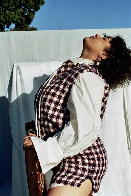 La cantante, compositora y poeta australiana Odette, cuyo álbum Herald se lanzará en febrero de 2021.