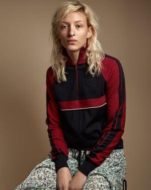 Model Maggie Maurer wears Chloé clothes