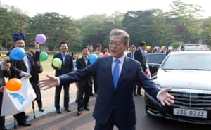 The South Korean president, Moon Jae-in, prepares to leave Seoul for the truce village of Panmunjom