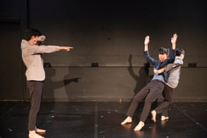 Taiwan's Chang brothers (co-creators of Fringe 2018's hit show Bon 4 Bon) bounce back with a dance that reveals fresh facets of their fraternal relationships and the rich possibilities – and inherent conflicts – of male bonding.