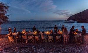 A Tinos Food Paths beach dinner.