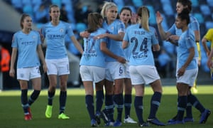 Manchester City's Georgia Stanway celebrates scoring to make it 1-0 with her teammates.