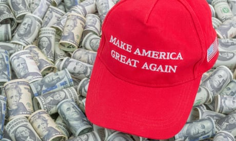Red Trump MAGA / Make America Great Again cap hat + dollar bills (See NOTES). For booming US economy / the Trump Economy, US elections, Trump tax cuts<br>2AC80CC Red Trump MAGA / Make America Great Again cap hat + dollar bills (See NOTES). For booming US economy / the Trump Economy, US elections, Trump tax cuts