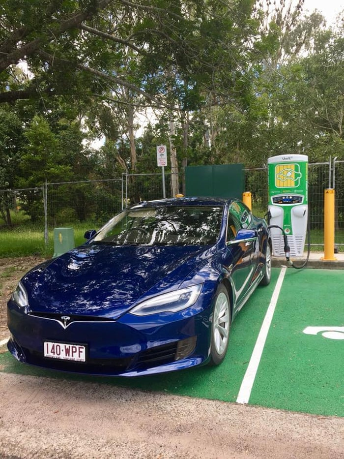 How much does it cost to power an electric car around