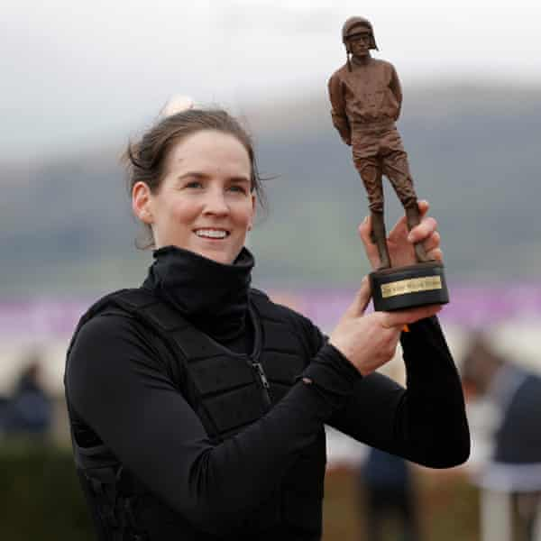Rachael Blackmore with the Ruby Walsh trophy as leading jockey of the 2021 Cheltenham Festival after her six victories.