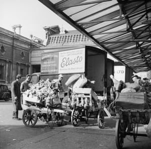 Unloading meat and poultry at Smithfield Market