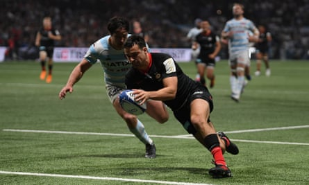 Alex Lozowski scores a try for Saracens against Racing 92 last November.