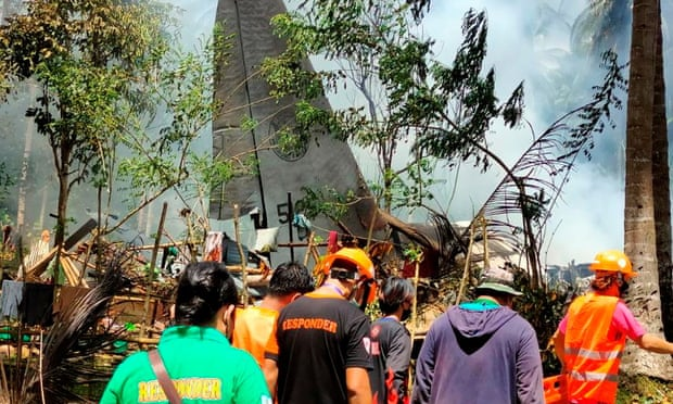 Philippines,C-130 Hercules,C-130 Hercules crashed,Philippine military aircraft,Gen Cirilito Sobejana,Lieut-Col Maynard Mariano,harbouchanews