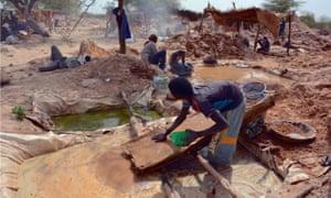 Semi-mechanised gold mining in eastern Chad, June 2016.