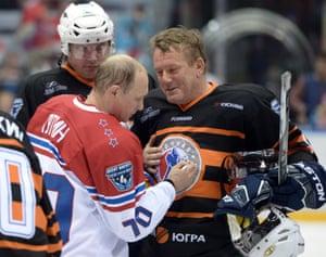 Vladimir Putin, hockey