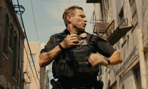 Aaron Eckhart in Line of Duty