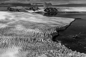 Crumpled glacier