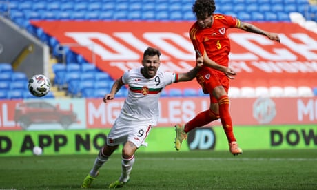 Neco Williams lights up a drab game to give Wales victory over Bulgaria