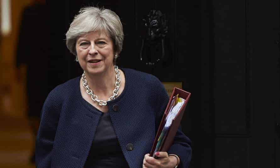 Theresa May will emphasise the concessions made in her Florence speech at a key summit dinner.