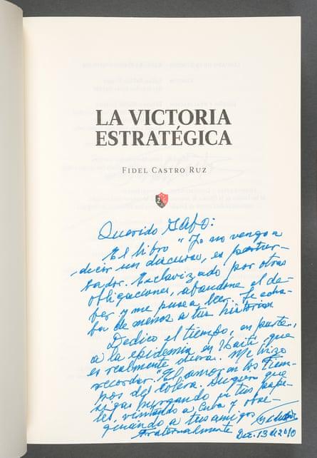 """Fidel Castro's """"La victoria estratégica: Por todos los caminos de la Sierra"""" (2010). Photos by Pete Smith. Courtesy Harry Ransom Center."""