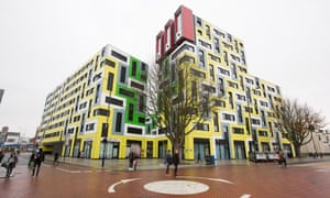 Essex University is removing the panels from a student accommodation block in Southend