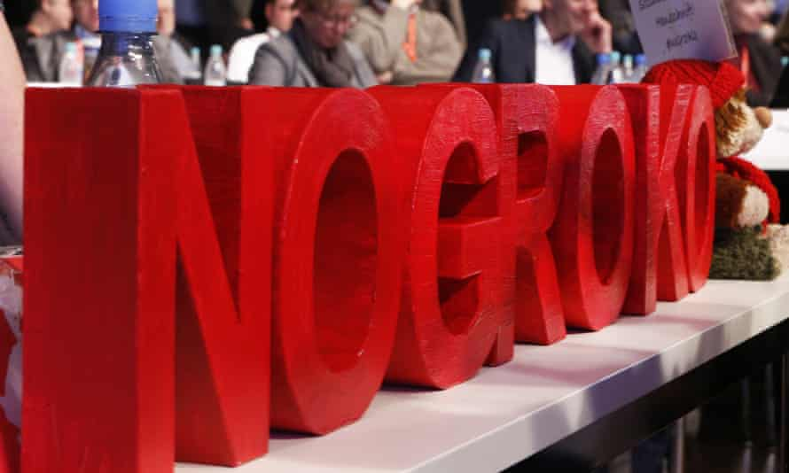 Red letters reading NoGroKo.