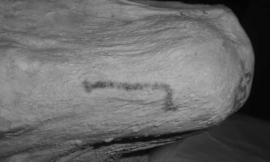 A stick tattoo discovered on Gebelein Woman, a 5,000-year-old mummy in the British Museum's collection.
