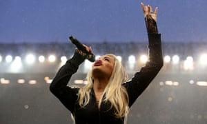 Rita Ora … wants to end five-album contract.