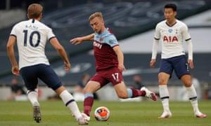 West Ham's Jarrod Bowen surges forward.