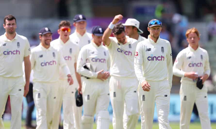 Joe Root leads his players from the pitch at the end of the fourth day of the second Test against New Zealand