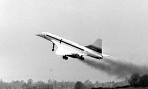 The British assembled pre-production Concorde 01 taking to the air from Filton, near Bristol, on its maiden flight 17 December 1971.