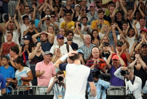 Murray is applauded by the fans in the Hisense Arena