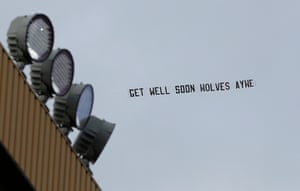 An aerial banner in support of Raul Jimenez is flown over Molineux.