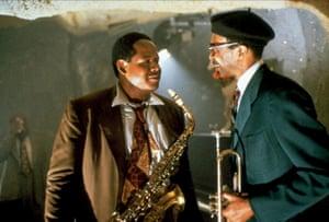 فارست ویتاکر ، سمت چپ ، به عنوان چارلی پارکر در پرنده ، 1988.