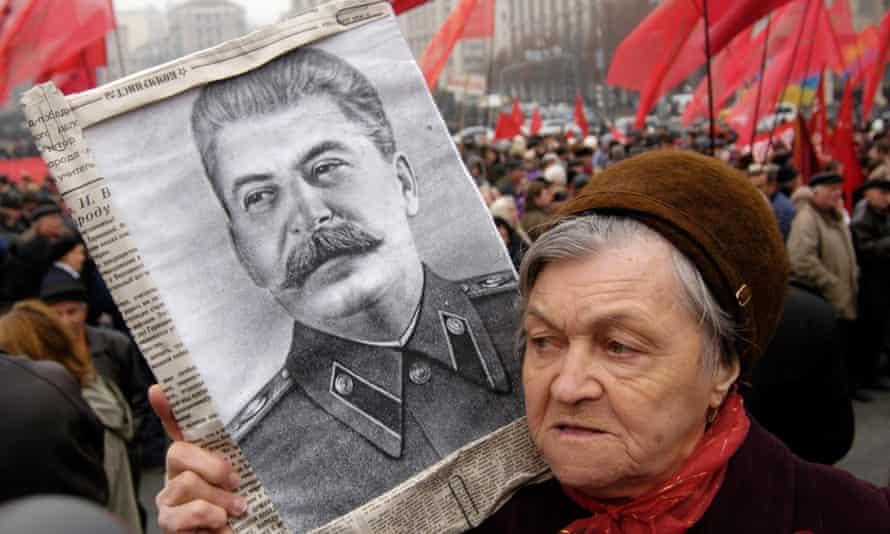 Celebrating the 88th anniversary of the Bolshevik revolution on Independence square in Kiev, Ukraine, in 2005.