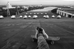 Skateboarding Moscow's roofs