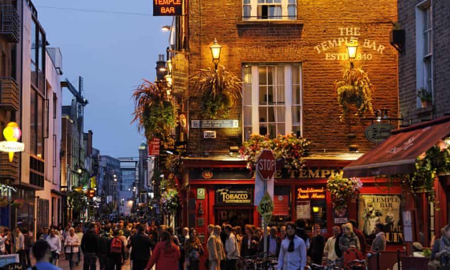 Nightlife in Dublin.