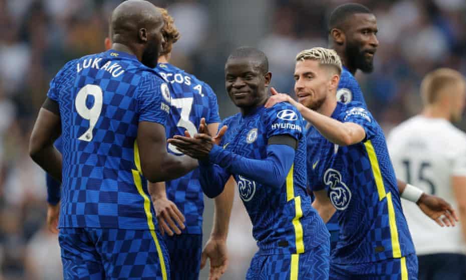 N'Golo Kanté is congratulated by Romelu Lukaku and Jorginho after scoring Chelsea's second goal