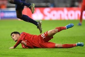 Coutinho falls down.