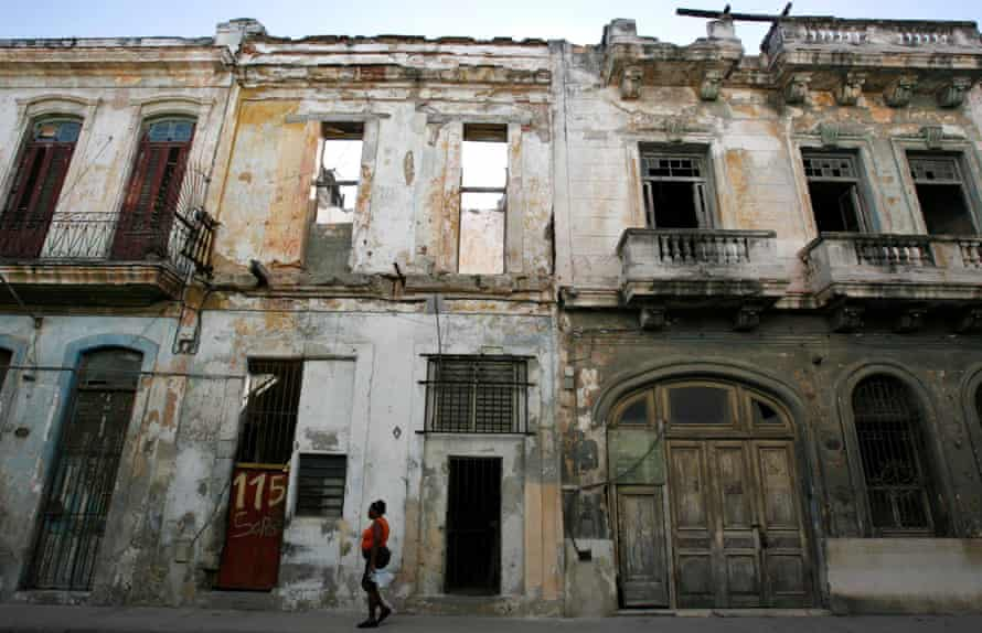 A street in central Havana in 2007, before the latest spate of restoration.