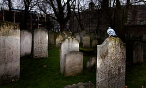 Bunhill Fields Burial Ground. Photograph: Graham Turner. Graves, gravestones in Bunhill Fields Cemetery, London cities; dirty old London