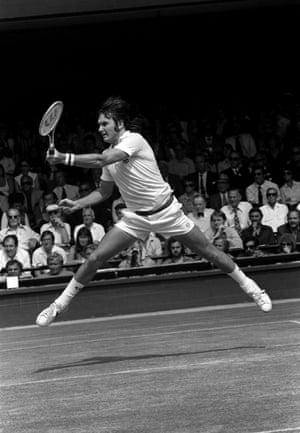 Jimmy Connors returns a shot in 1975