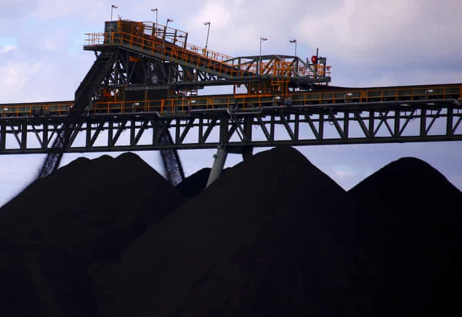 FILE PHOTO: Coal is unloaded onto large piles at the Ulan Coal mines near the central New South Wales rural town of Mudgee in Australia, March 8, 2018. Picture taken March 8, 2018. REUTERS/David Gray/File Photo