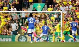 Jamie Vardy del Leicester City ha segnato il primo gol.