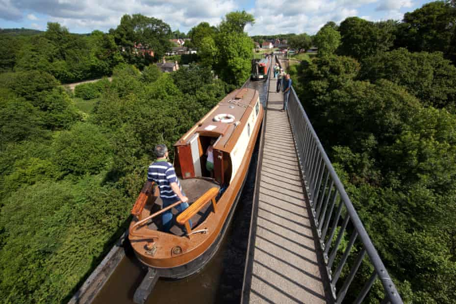 Pontcysyllte (which means 'the bridge that connects') aqueduct joins the villages of Trevor and Froncysyllte.
