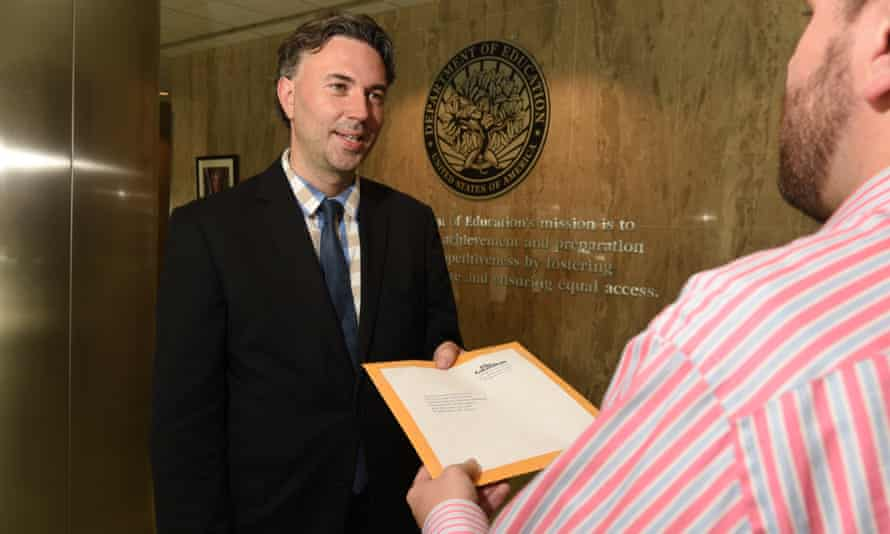 David Smith hand-delivers the teachers' manifesto to the office of US education secretary Betsy DeVos.